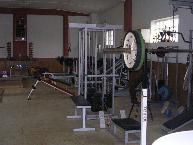 Gewichtheben-Halle-2